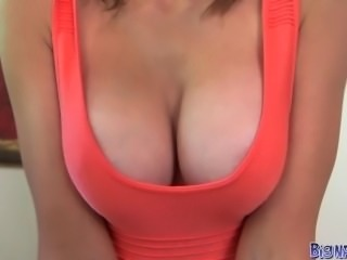 Big Naturals - GF shows off her great tits