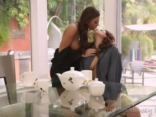 Lesbians Abigail Mac And Vanessa Veracruz