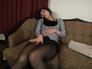 Curvy Asian cock-tease enjoys having her soft muff penetrat