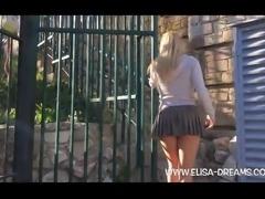 Upskirt no panties in Montjuic (Barcelona)
