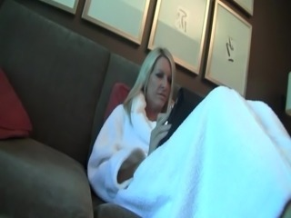 blonde Housewife on Her Vacation blowjob
