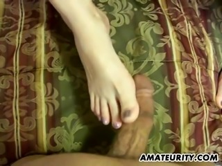 Pregnant chubby girlfriend gives head with facial