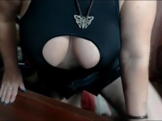 Lady show boobs and ass in cam