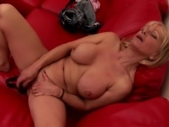 Sexy grandma with thirsty wet pussy