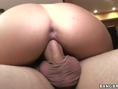 Foxy Latina with Big Ass Blowjobs before Doggystyle Pouncing