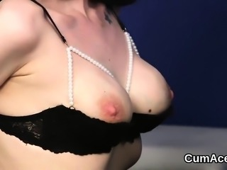 Foxy beauty gets sperm load on her face gulping all the juic