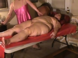 Exotic hot oil Massage