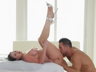 Splendid exploitation of her pleasure organs