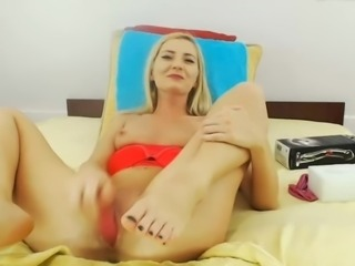 Blonde fuck pussy and squirt