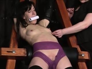 Extreme slave Elise Graves
