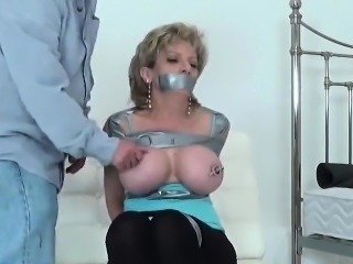 Cheating british milf lady sonia displays her enormous titti
