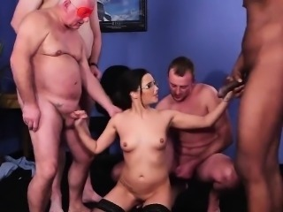 Slutty bombshell gets cum load on her face gulping all the s