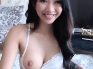 Stunning Asian Webcam Teen Masturbates Outside