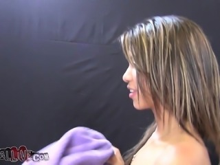 Slender Latina with a perky ass Veronica Rodriguez blows a big stick