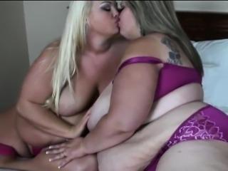 BBW Mandy Majestic has some Lesbian fun with Vallery Vixen