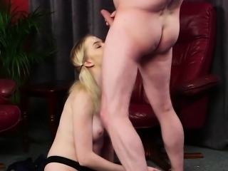 Horny bombshell gets cumshot on her face swallowing all the