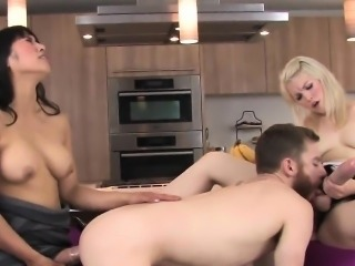 Girls fuck bfs anal with huge strap-on dildos and burst sper