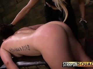 Buxom babe with a marvelous ass has two mistresses punishing her cunt