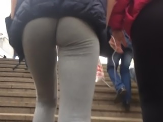 Teenage girls ass