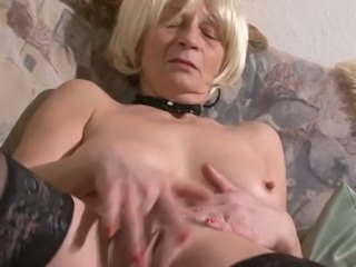 Old slut with saggy titties is facesitting thirsty dude in kinky porn video