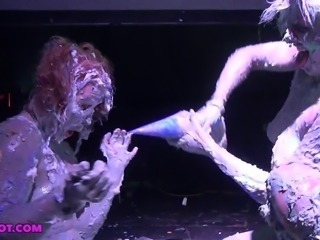 Chikkin and Alice public sploshing exhibition at a rave