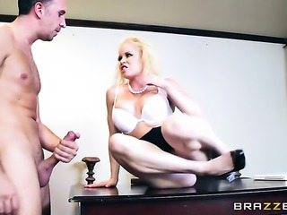 Blonde senorita Nikki Delano with huge knockers and horny dude Keiran Lee enjoy sex too much to stop
