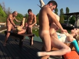 Insatiable big assed bitch Ners Zen takes part in hard outdoors orgy