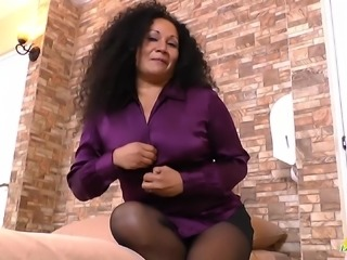 Old mature granny lady curvy bbw latina solo masturbation and toying