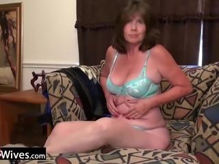 Older mature granny solo masturbation and anal toying