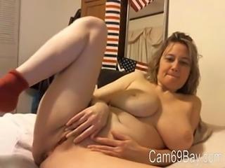 Big tit milf cam Cam69Bay