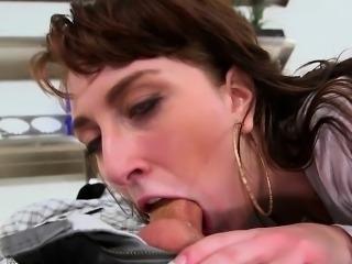 PAWG Lilith Addams likes big cocks