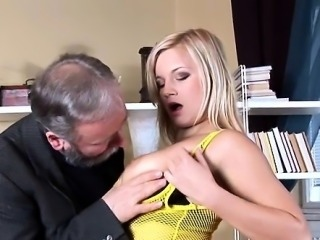 Delightsome mature wants to fuck and to get some hawt sperm