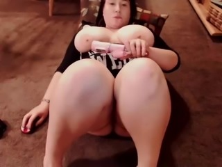 Hot Chubby chick masturbating on cam