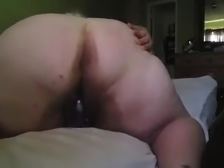 Fat girl fucks herself
