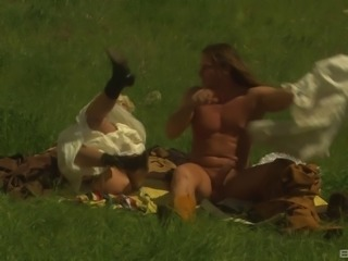 Muscular dude gives his cock to Carmen in the beautiful wilderness