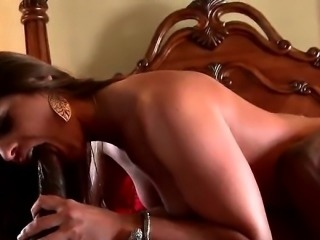 Lusty housewife having a good sex time