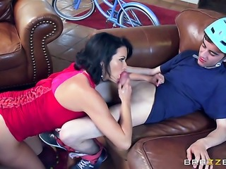 Milf Veronica Avluv with massive hooters takes sex to the whole