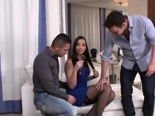Eurobabe anally banged in threesome