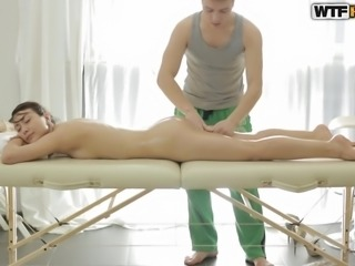 This relaxing rundown lead to some phenomenal fingering. Stacey thought she would just have her muscles massaged. She had no idea her clit was going to be pinched, too. Of course, she was happy to receive the attention to her vagina.