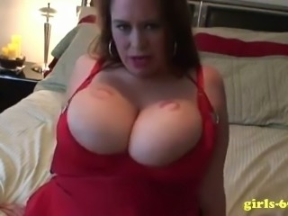 Horny BBW hottie proves she could kiss her own breasts