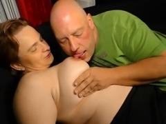 Cougar called Andrea falls in love with the penis of the bald dude