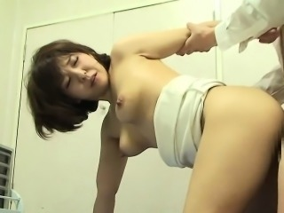 Asian babe gets creampied by the doctor