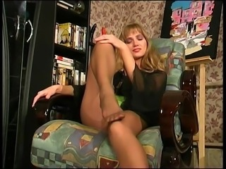 Yulia Tikhomirova foot worship 2