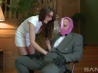 Spoiled 4 eyed hottie Samantha Bentley  attacked her submissive man in face sitting pose
