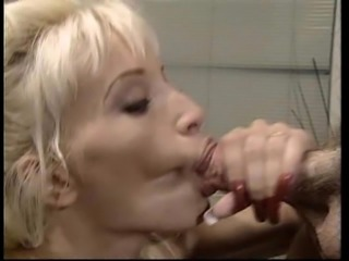 Princess seduces a handsome guy into pounding her in the bathroom