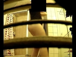 sister cam shower 2