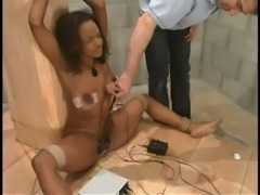 Luscious ebony babe Sinnamon Love is in deep shit