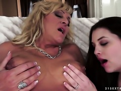 Blonde hooker getting her dripping wet bush ploughed