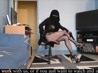 hot arab trans show webcam         by oopscams
