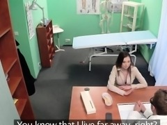 Squirting patient seduces doctor